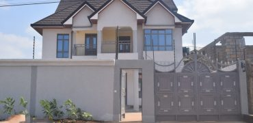 5 Bedrooms Mansionette at Prestigious Varsity Ville Estate